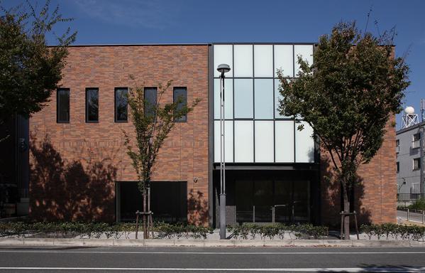 佐用ビル・三菱東京UFJ銀行 芦屋支店