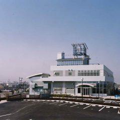 紀の川大堰管理棟