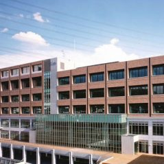 大阪産業大学16号館